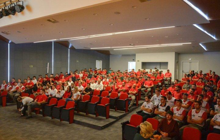 Semana SIPAT 2018 - Carlos Coraccini da Ferramentas Gerais falando sobre segurança do trabalho.